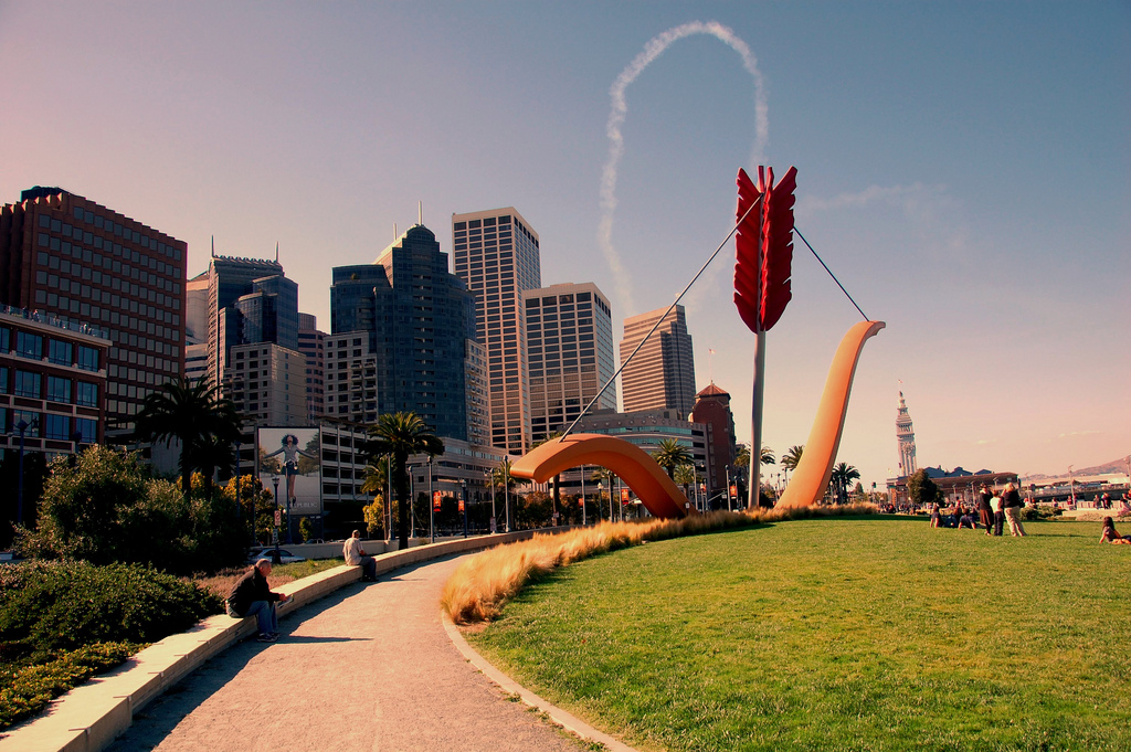 Cupid's Span Sculpture in San Francisco-Flickr.com by Roshan Vyas