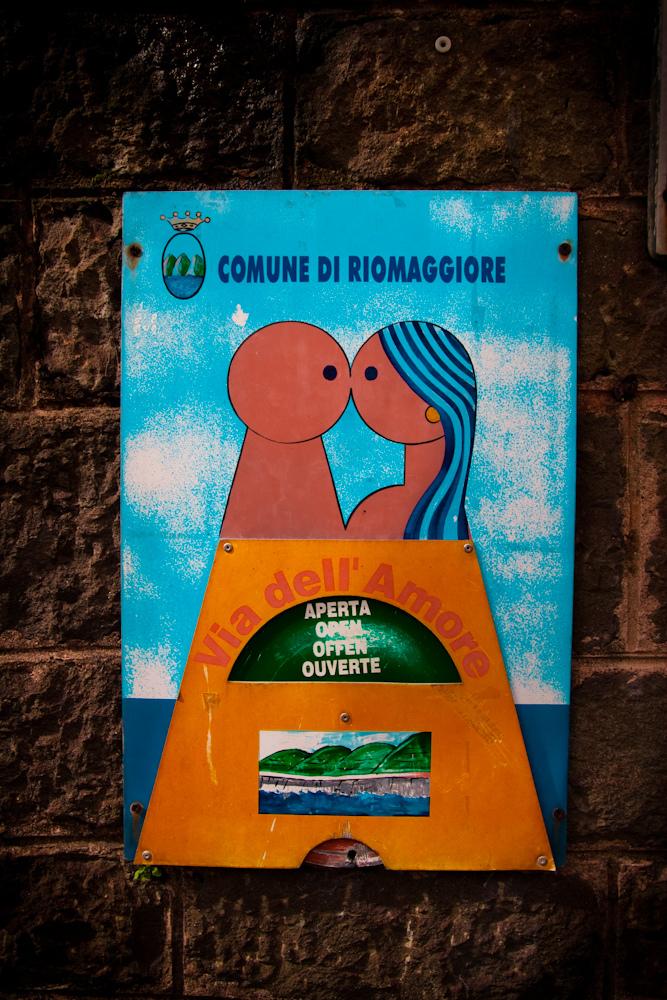 """Via dell'Amore: """"Pathway of Love."""" Riomaggiore, Cinque Terre"""