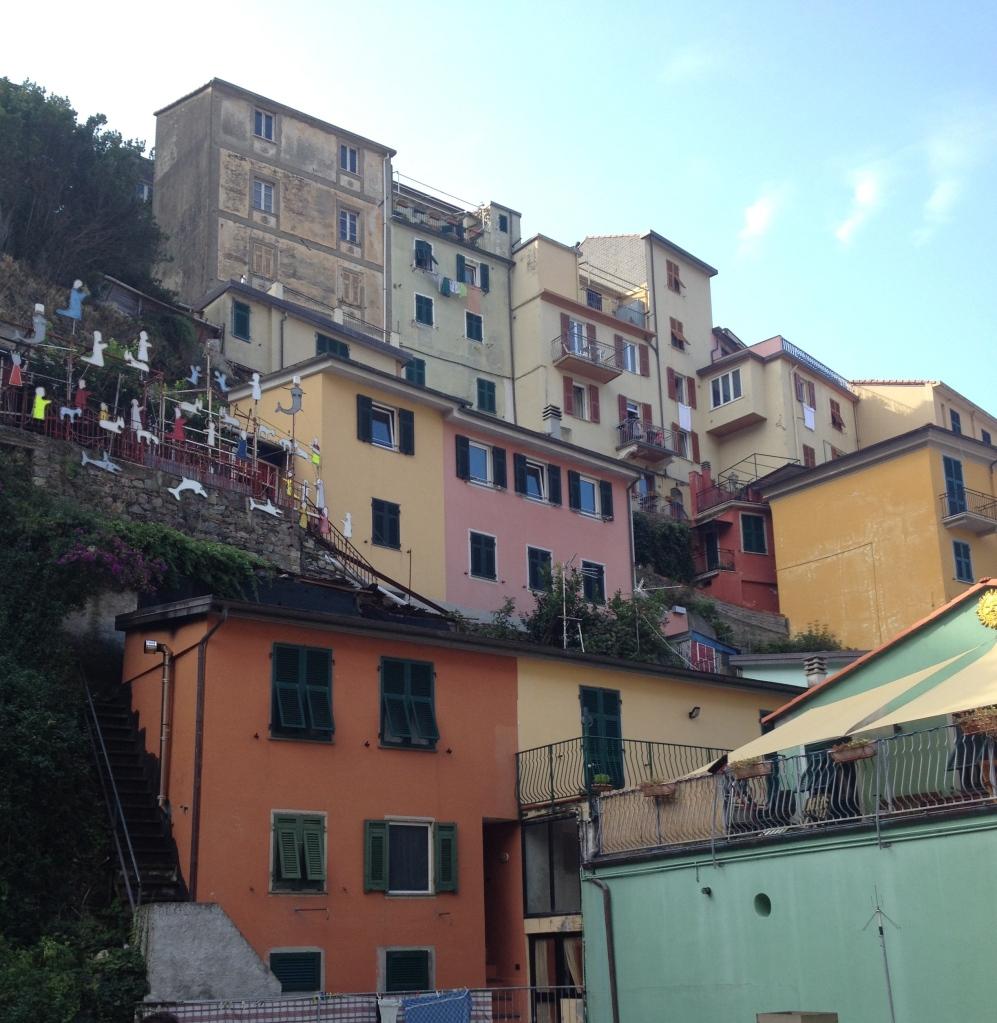 Village in Cinque Terre, alvaradofrazier.com